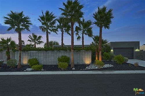 Photo of 1096 Lucent Court, Palm Springs, CA 92262 (MLS # 21781730)