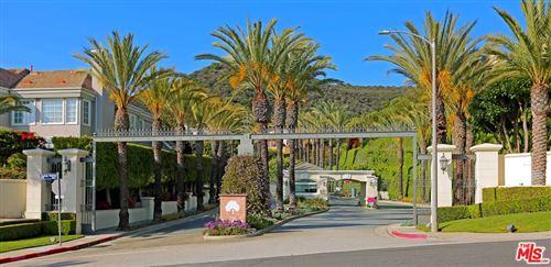 Photo of 16676 Via Pacifica, Pacific Palisades, CA 90272 (MLS # 21784730)