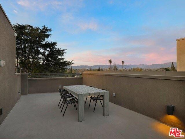 Photo of 13207 W Lumina Way, Valley Glen, CA 91401 (MLS # 21711730)