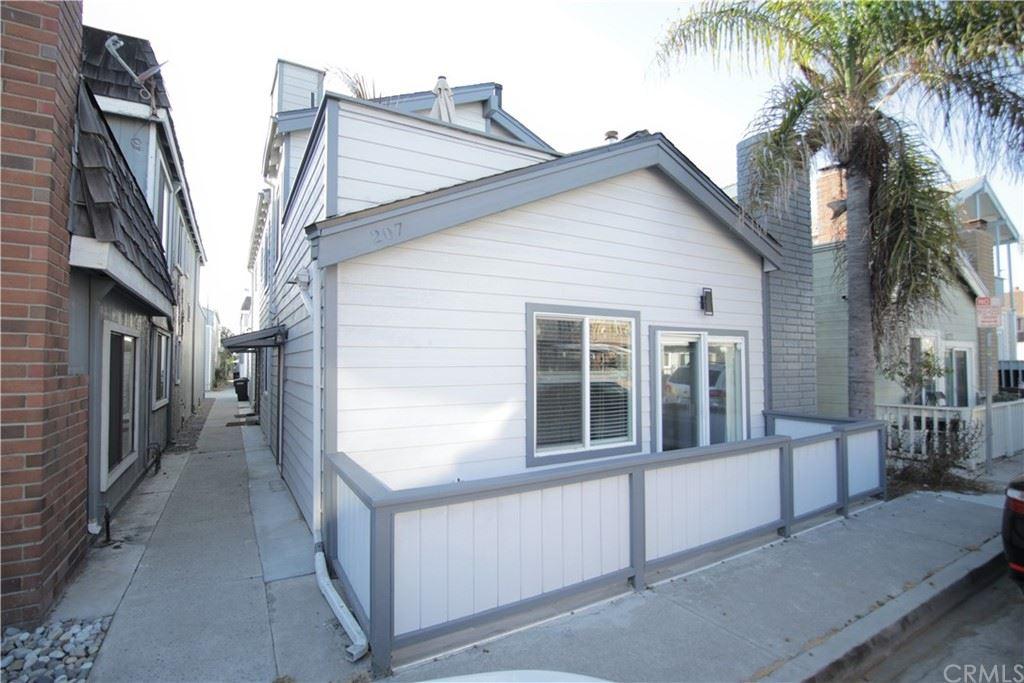 Photo of 207 Lugonia Street #A, Newport Beach, CA 92663 (MLS # OC21163730)