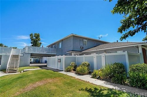 Photo of 28107 Robin Avenue, Saugus, CA 91350 (MLS # SR20140731)
