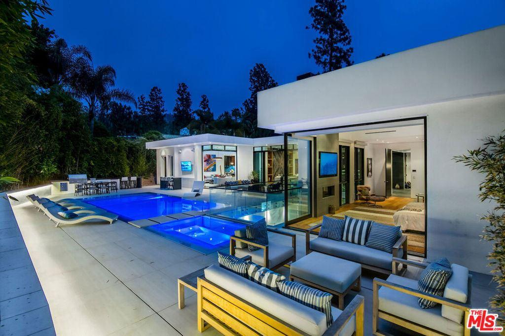 Photo of 1049 Loma Vista Drive, Beverly Hills, CA 90210 (MLS # 21744732)