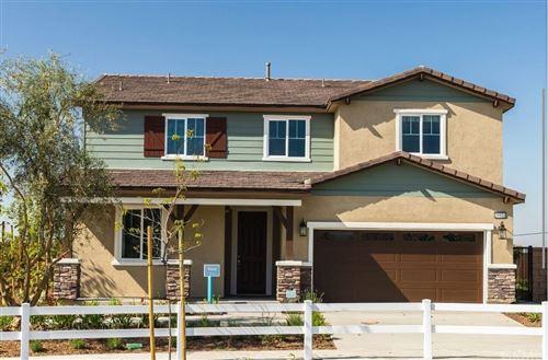 Photo of 16931 Red Tail Lane, Fontana, CA 92336 (MLS # SW21207733)