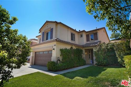 Photo of 28733 Garnet Canyon Drive, Santa Clarita, CA 91390 (MLS # 20633734)