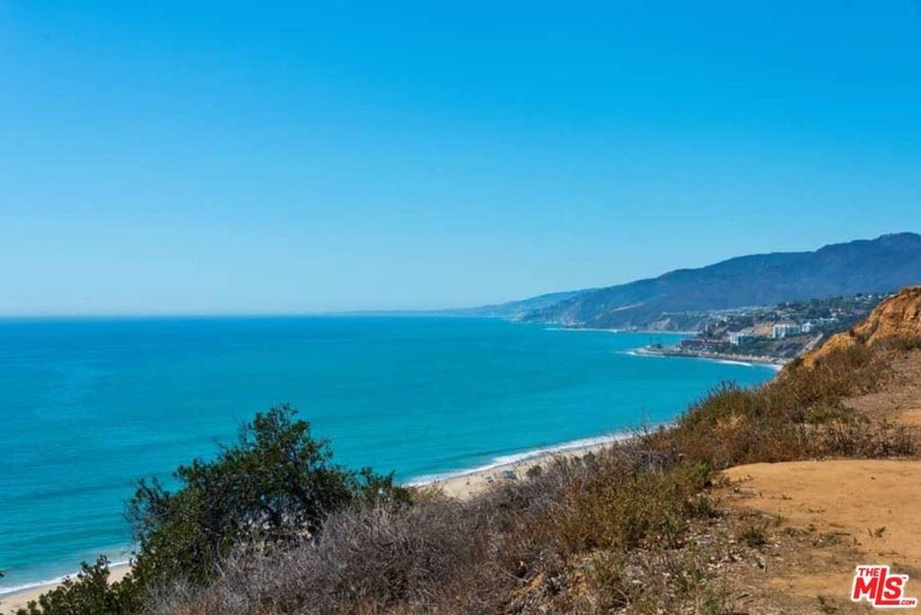 Photo of 15515 Via De Las Olas, Pacific Palisades, CA 90272 (MLS # 21778734)