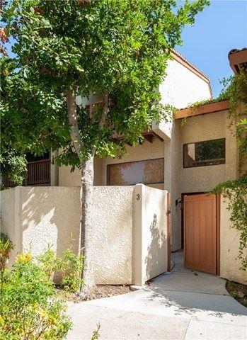 Photo of 5760 Owensmouth Avenue #3, Woodland Hills, CA 91367 (MLS # SR21042735)