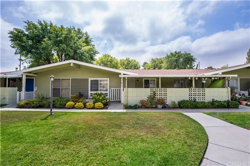 Photo of 19144 Avenue Of The Oaks #C, Newhall, CA 91321 (MLS # SR21191735)