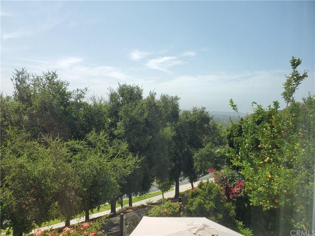 Photo of 14 Santa Teresa, Rancho Santa Margarita, CA 92688 (MLS # OC21162735)