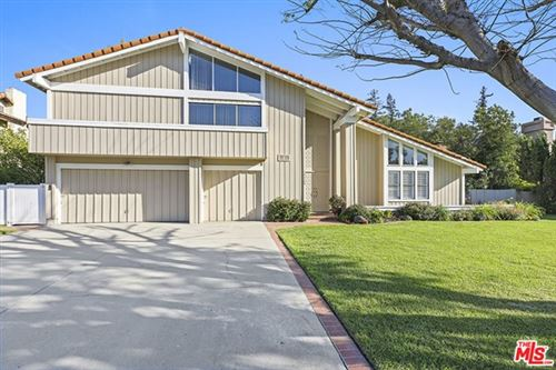 Photo of 19520 Citronia Street, Northridge, CA 91324 (MLS # 21730736)