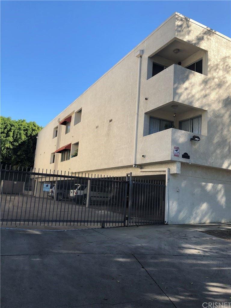 Photo of 5644 Yolanda Avenue #2, Tarzana, CA 91356 (MLS # SR21204737)