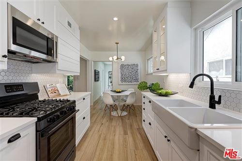 Photo of 6931 Langdon Avenue, Van Nuys, CA 91406 (MLS # 21761738)