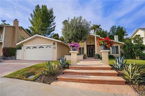 Photo of 23139 Posada Drive, Valencia, CA 91354 (MLS # SR20091738)