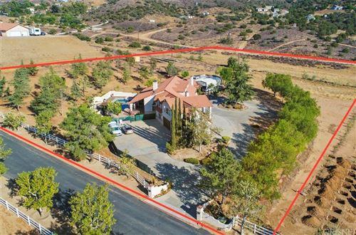 Photo of 7210 Spigno Place, Agua Dulce, CA 91390 (MLS # SR21177738)