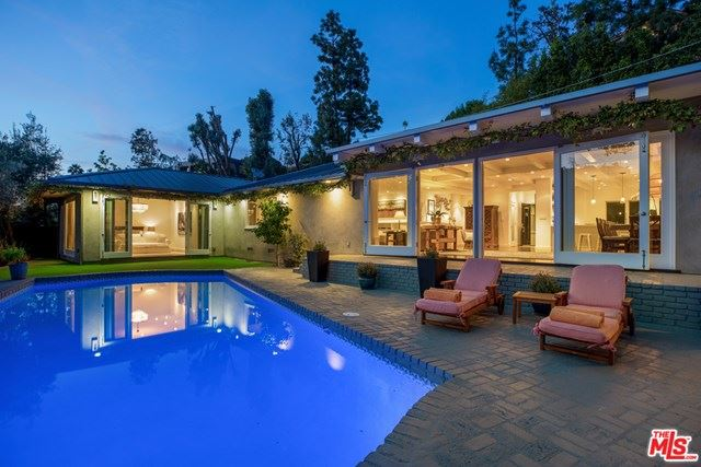 Photo of 9526 DALEGROVE Drive, Beverly Hills, CA 90210 (MLS # 20578738)