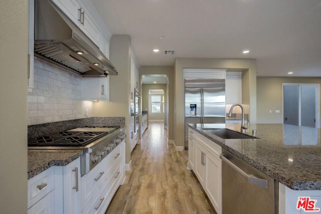 Photo of 7008 Highgrove Place, Moorpark, CA 93021 (MLS # 21796738)