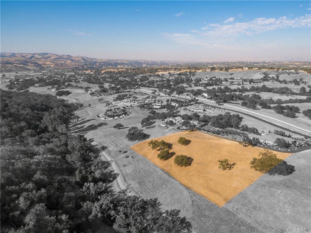 Photo of 2575 Warm Springs Lane, Templeton, CA 93465 (MLS # SC21192738)