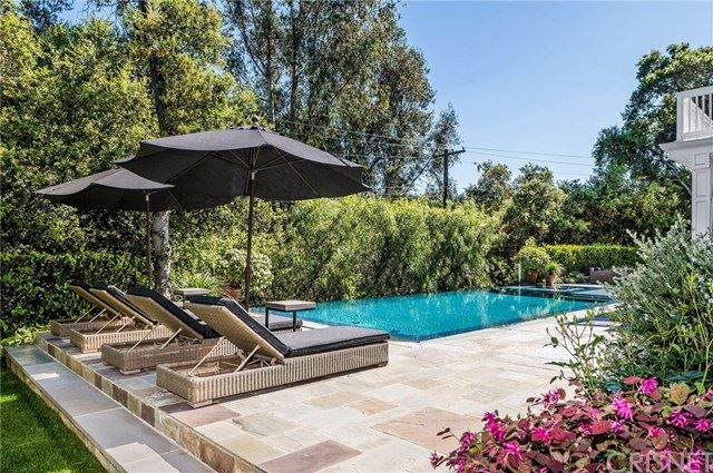 Photo of 16700 Bajio Court, Encino, CA 91436 (MLS # SR20121739)