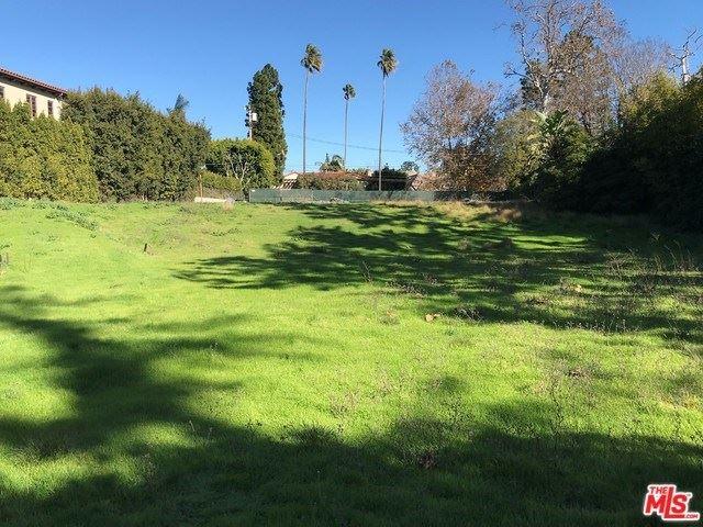 Photo of 193 N CARMELINA Avenue, Los Angeles, CA 90049 (MLS # 19514740)