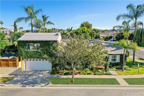 Photo of 5522 Hermitage Avenue, Valley Village, CA 91607 (MLS # SR20107741)
