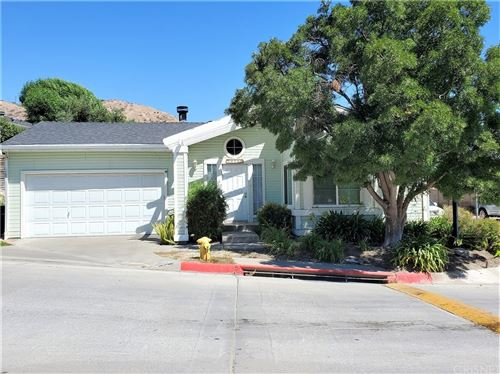 Photo of 20105 Canyon View Drive, Canyon Country, CA 91351 (MLS # SR21206741)