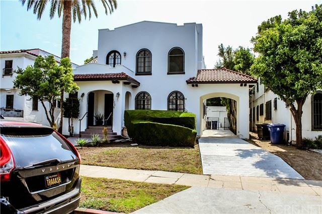 Photo of 1006 N Croft Avenue, Los Angeles, CA 90069 (MLS # SR21136741)