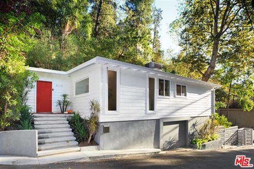 Photo of 8010 Willow Glen Road, Los Angeles, CA 90046 (MLS # 20661742)