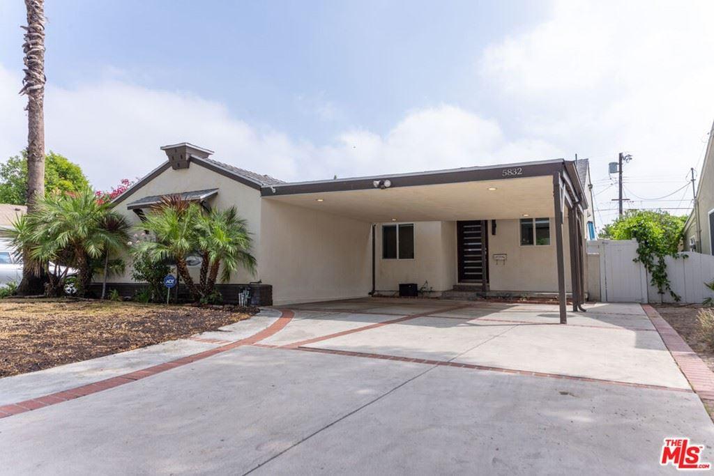 Photo for 5832 Noble Avenue, Sherman Oaks, CA 91411 (MLS # 21784742)