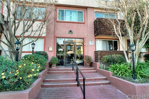 Photo of 5349 Newcastle Avenue #16, Encino, CA 91316 (MLS # SR21002743)