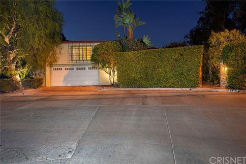 Photo of 7419 Woodrow Wilson Drive, Los Angeles, CA 90046 (MLS # SR21019743)