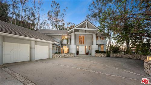 Photo of 12063 Summit Circle, Beverly Hills, CA 90210 (MLS # 21759744)