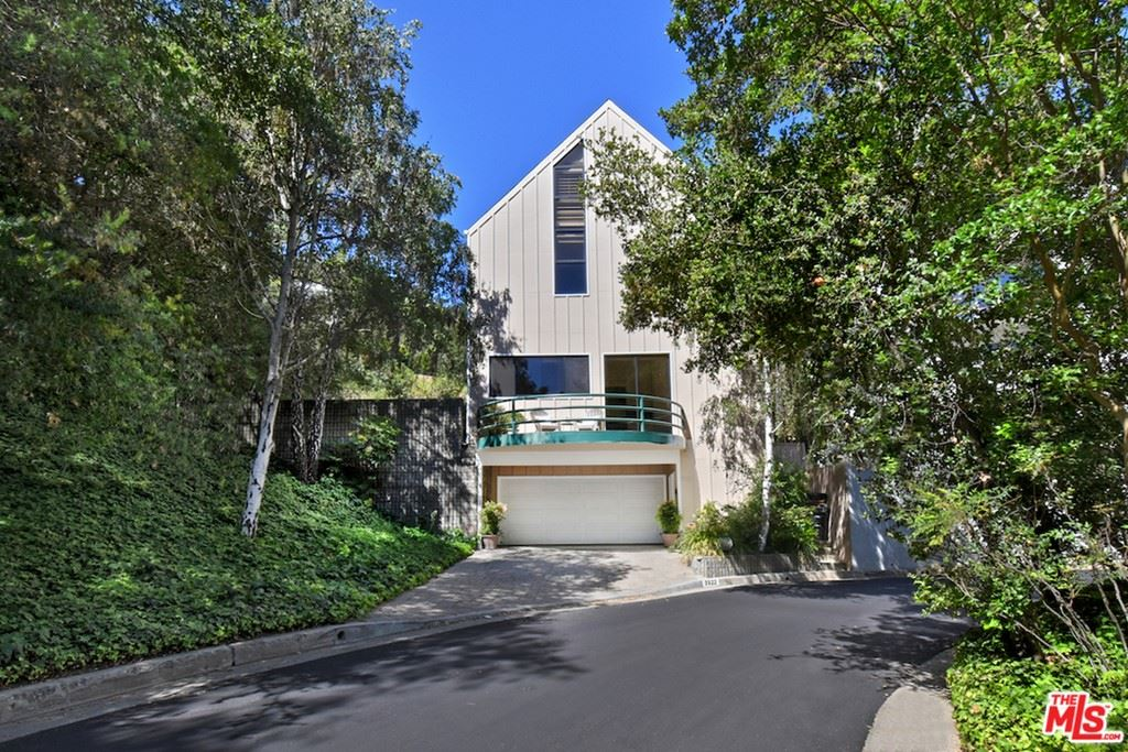 Photo of 3522 Knobhill Drive, Sherman Oaks, CA 91423 (MLS # 21738744)