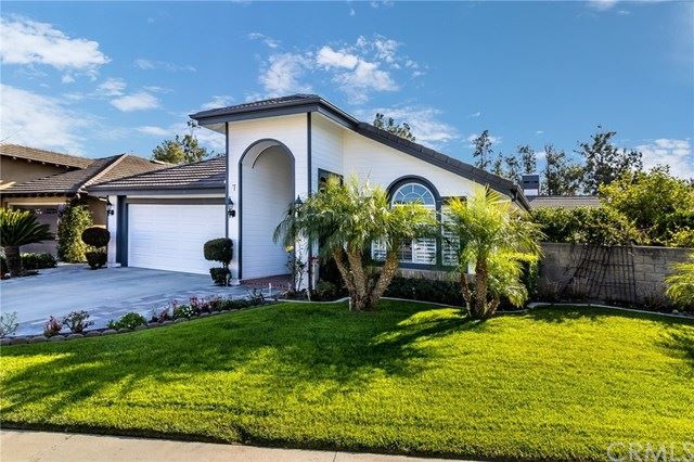 Photo of 7 Snowdon, Rancho Santa Margarita, CA 92679 (MLS # OC21040744)