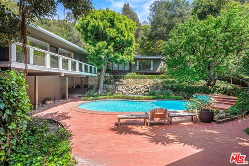 Photo of 1746 Mandeville Lane, Los Angeles, CA 90049 (MLS # 21715746)