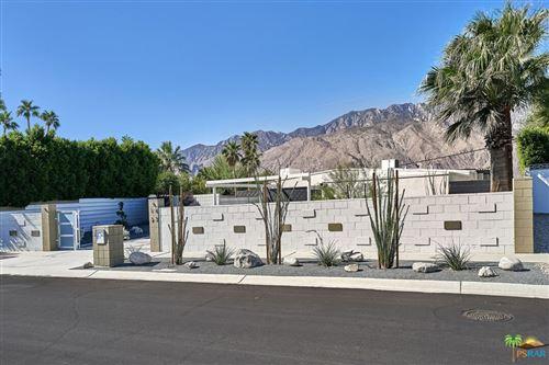 Photo of 1627 Via Roberto Miguel, Palm Springs, CA 92262 (MLS # 21795746)