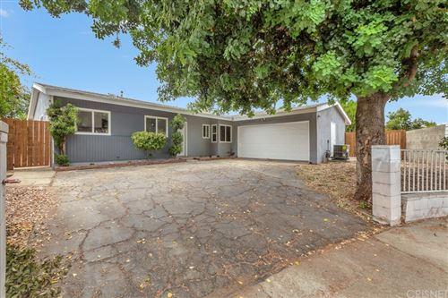 Photo of 6653 Quartz Avenue, Winnetka, CA 91306 (MLS # SR21178746)