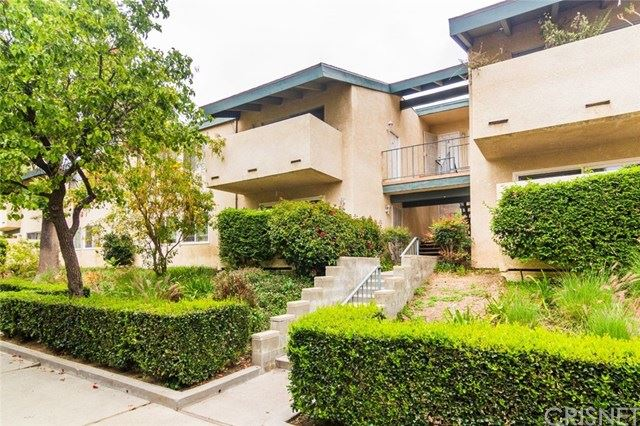 Photo of 10636 Woodley Avenue #40, Granada Hills, CA 91344 (MLS # SR21079746)
