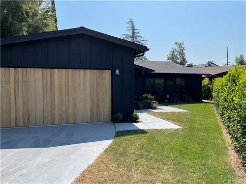 Photo of 4942 Wilkinson Avenue, Valley Village, CA 91607 (MLS # SR21138747)