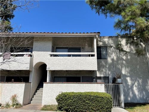 Photo of 25019 Peachland Avenue #235, Newhall, CA 91321 (MLS # SR21211747)