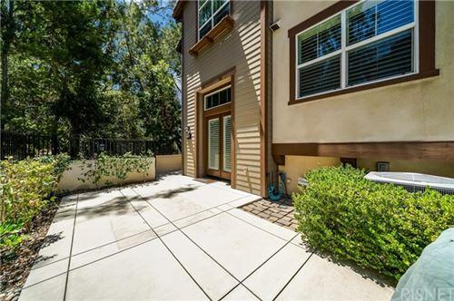 Photo of 726 Tennis Club Lane, Thousand Oaks, CA 91360 (MLS # SR20131748)