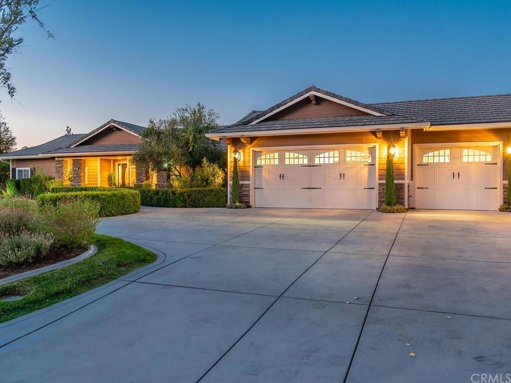 Photo of 2440 Laguna Del Campo, Templeton, CA 93465 (MLS # NS21191748)
