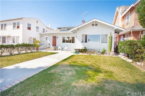 Photo of 553 N Heliotrope Drive, Los Angeles, CA 90004 (MLS # CV20218749)