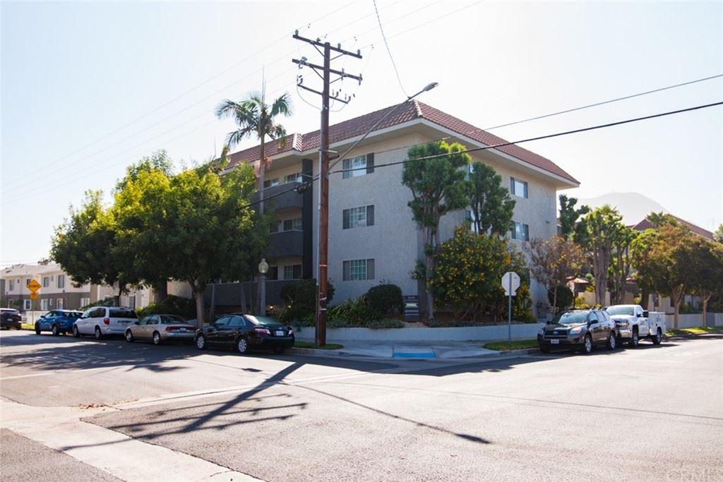 Photo for 4140 Warner Boulevard #312, Burbank, CA 91505 (MLS # BB21202749)