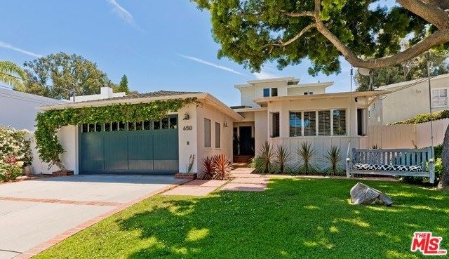 Photo for 650 N LAS CASAS Avenue, Pacific Palisades, CA 90272 (MLS # 19477750)