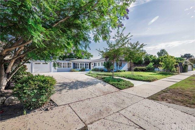 Photo of 17420 Tulsa Street, Granada Hills, CA 91344 (MLS # SR21132750)