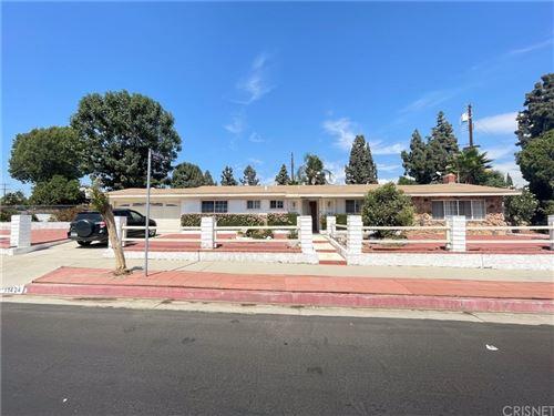 Photo of 11424 Gladstone Way, Sylmar, CA 91342 (MLS # SR21209751)