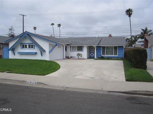 Photo of 909 Bryce Canyon Avenue, Oxnard, CA 93033 (MLS # V1-5751)