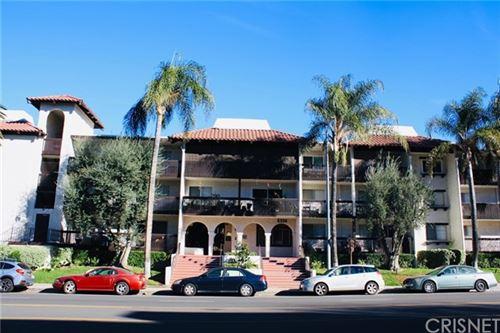 Photo of 5334 Lindley Avenue #127, Encino, CA 91316 (MLS # SR21011753)