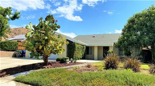 Photo of 29670 Grandifloras Road, Canyon Country, CA 91387 (MLS # WS21146754)