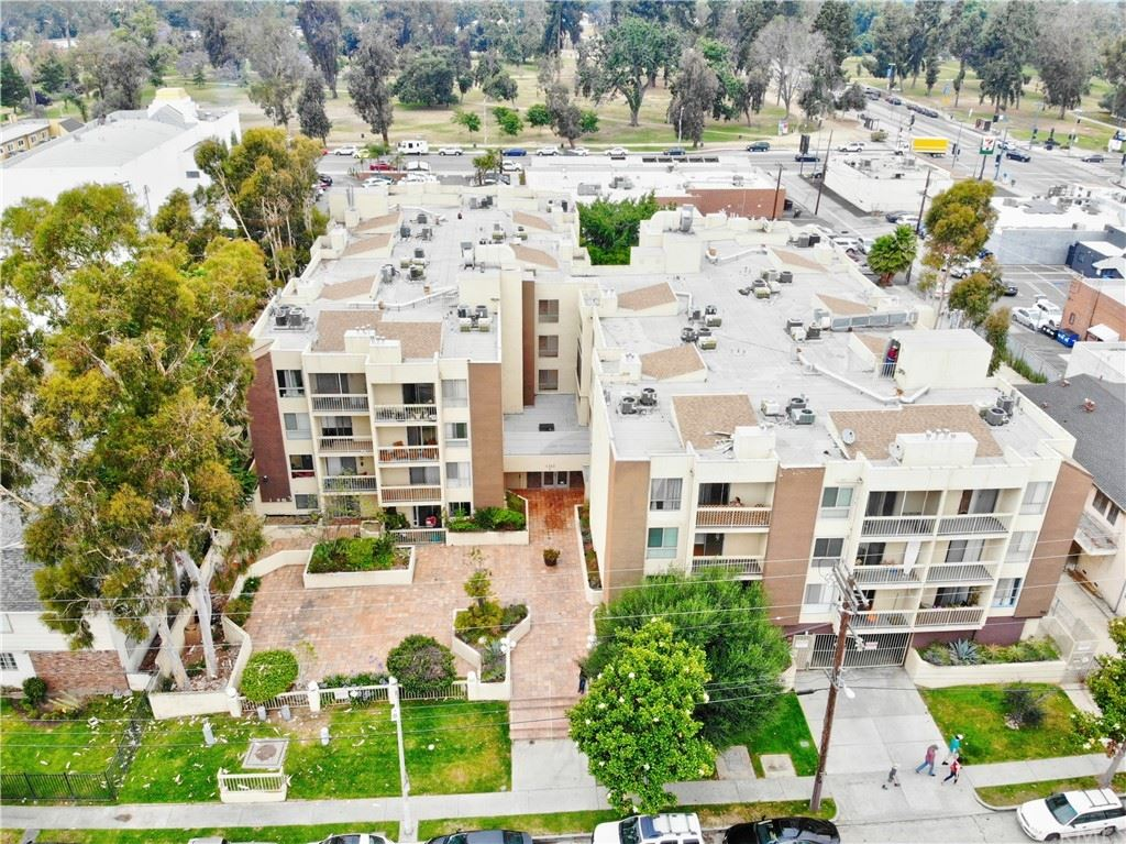 5143 Bakman Avenue #412, North Hollywood, CA 91601 - MLS#: DW21173754