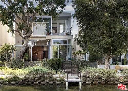 Photo of 419 Howland Canal, Venice, CA 90291 (MLS # 21760756)